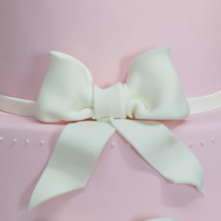booties and bows-cake