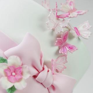 butterflies-cake